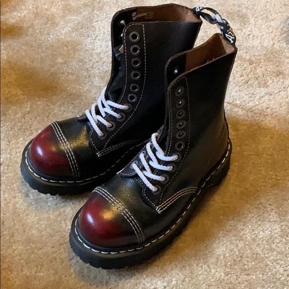 dd16a458aee Dr. Martens 8761 boots us 5 NWT